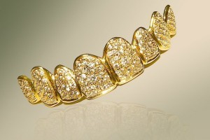 Global InterGold: Golden accessory: more expensive than a Hollywood smile