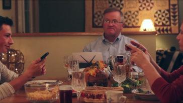 texting-dinner