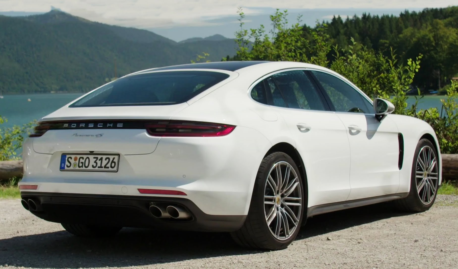 2017 porsche panamera awesome coupe coinpressions review. Black Bedroom Furniture Sets. Home Design Ideas